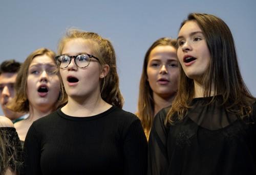 TD House Singing 19.jpg